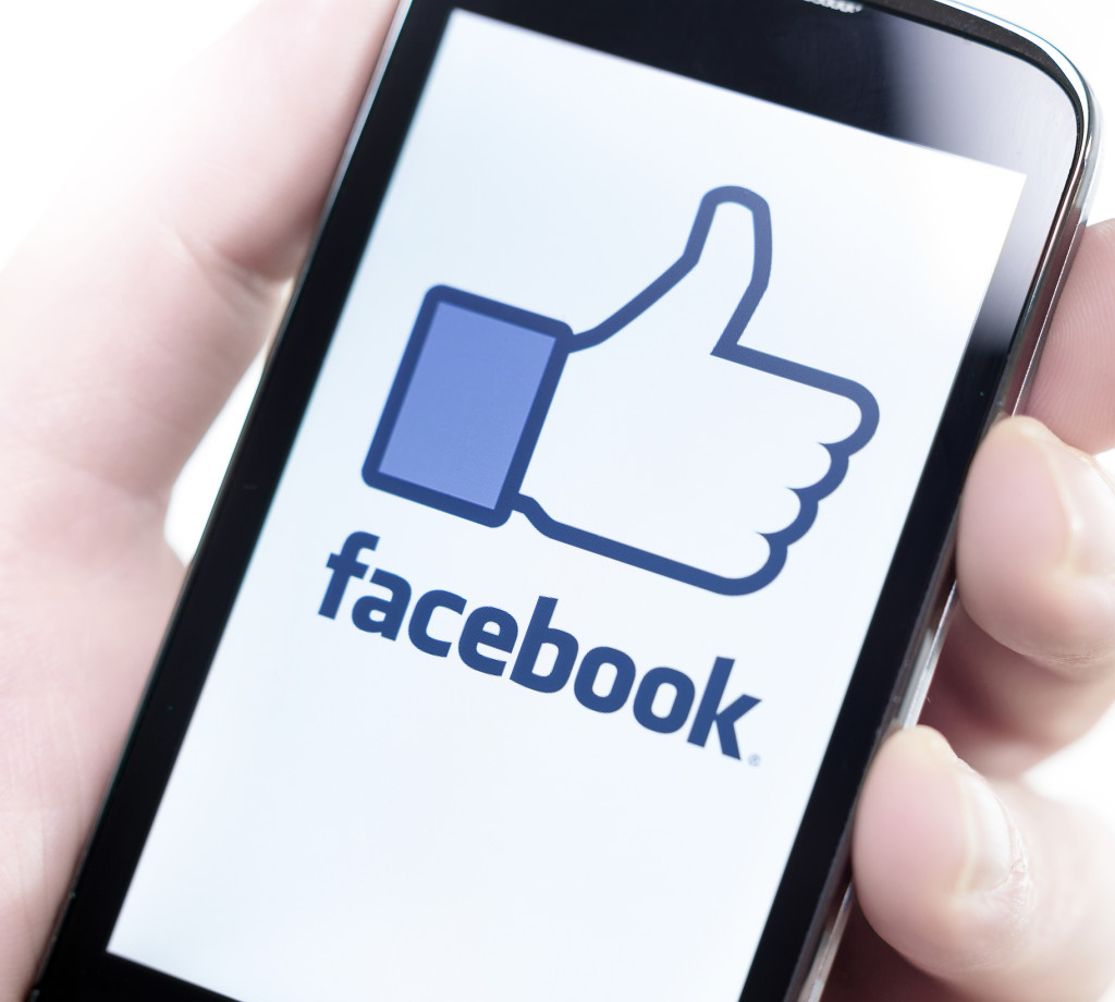 Social Media in Divorce - Facebook on Smartphone